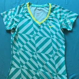 Nike medium fitted teal dry fit workout top
